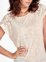 Brzoskwiniowy t-shirt z koronkowymi rękawami i gwiazdkami                                                                          zdj.                                                                         5