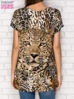 Ciemnobrązowy t-shirt z nadrukiem pantery z dżetami