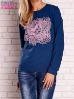Ciemnoniebieska bluza z kolorowym nadrukiem                                  zdj.                                  1