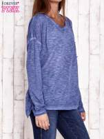 Ciemnoniebieska dekatyzowana bluzka z koronkowymi wstawkami                                  zdj.                                  3