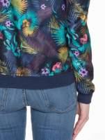 Ciemnoniebieska kurtka bomber jacket w tropical print                                  zdj.                                  6