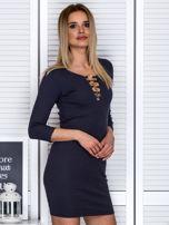 Ciemnoszara sukienka z ozdobnymi kółeczkami przy dekolcie                                  zdj.                                  5