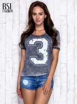 Ciemnoszary t-shirt z cyfrą 3                                  zdj.                                  3