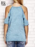 Ciemnoturkusowy t-shirt cut out shoulder z azteckim nadrukiem                                                                          zdj.                                                                         4