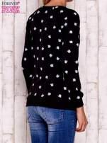 Czarna bluza z nadrukiem jabłuszka
