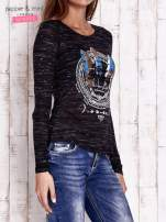 Czarna bluzka z nadrukiem boho                                                                          zdj.                                                                         3