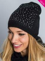 Czarna czapka beanie z dżetami perełkami