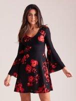 Czarna kwiatowa sukienka z rozszerzanymi rękawami                                  zdj.                                  1