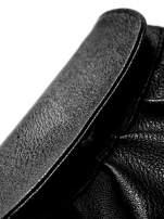 Czarna mini torebka kopertówka z paskiem                                  zdj.                                  2