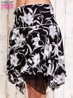 Czarna spódnica w kwiaty z karczkiem                                                                          zdj.                                                                         2