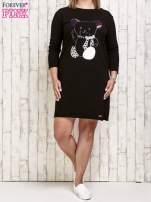 Czarna sukienka dresowa z misiem PLUS SIZE                                  zdj.                                  2