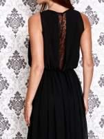 Czarna sukienka maxi z łańcuchem przy dekolcie                                                                          zdj.                                                                         5