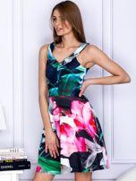 Czarna sukienka w kolorowe printy                                   zdj.                                  3