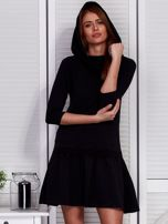 Czarna sukienka z szerokim kołnierzem i koronkową wstawką                                  zdj.                                  6