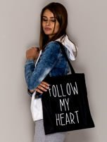Czarna torba materiałowa FOLLOW MY HEART                                  zdj.                                  2
