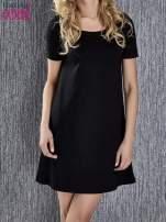 Czarna trapezowa sukienka z kieszeniami                                                                          zdj.                                                                         5