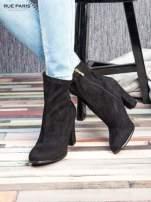 Czarne zamszowe botki faux suede Hannah na wysokim słupku                                  zdj.                                  1