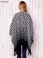 Czarno-białe poncho w cieniowaną pepitkę z frędzlami                                                                          zdj.                                                                         4