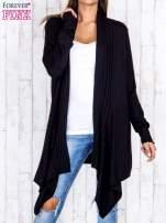 Czarny długi sweter z wykończeniem w pionowe paski