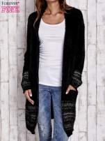 Czarny długi włochaty sweter z kolorową nitką                                  zdj.                                  1