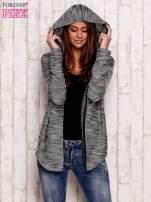 Ciemnoniebieski melanżowy sweter z kapturem