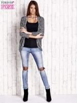 Czarny melanżowy sweter z otwartym dekoltem                                  zdj.                                  2