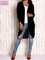 Czarny otwarty sweter z kieszeniami                                  zdj.                                  2