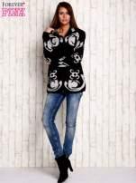 Ecru sweter long hair z ornamentowym motywem                                                                          zdj.                                                                         7