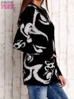 Brązowy sweter long hair z ornamentowym motywem                                                                          zdj.                                                                         3