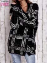 Czarny sweter w kratę z kieszeniami                                  zdj.                                  6
