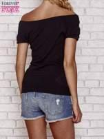 Czarny sweterek z opadającymi ramionami                                                                          zdj.                                                                         4