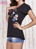 Czarny t-shirt z nadrukami                                  zdj.                                  3