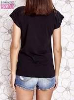 Czarny t-shirt z nadrukiem znaku zapytania
