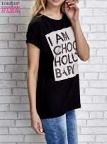 Czarny t-shirt z napisem I AM CHOCOHOLIC BABY