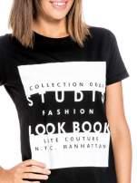 Czarny t-shirt z napisem w stylu fashion                                  zdj.                                  5