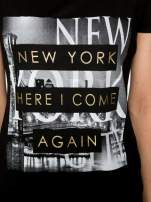 Czarny t-shirt ze złotym napisem NEW YORK HERE I COME AGAIN