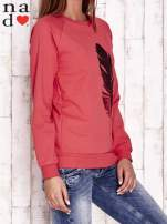 Szara bluza z piórkiem