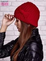 Czerwona dzianinowa czapka z kokardą                                                                          zdj.                                                                         2