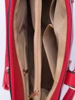 Czerwona torba na ramię z ozdobnymi detalami                                  zdj.                                  5