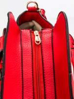 Czerwona torba z klamrami z odpinanym paskiem                                  zdj.                                  6