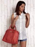 Czerwona torebka miękki kuferek z ćwiekami