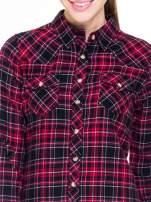 Czerwono-czarna koszula w kratę z kieszonkami