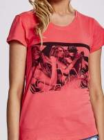 Czerwony t-shirt z napisem GANG                                  zdj.                                  5