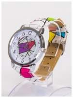 Damski zegarek z ozdobnym motywem geometrycznym na pasku oraz dużej tarczy                                                                          zdj.                                                                         2