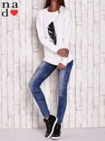 Ciemnoszara bluza z piórkiem                                                                          zdj.                                                                         2