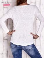 Ecru bluzka z cekinowym okiem                                                                          zdj.                                                                         4