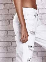Ecru spodnie boyfriend jeans z dziurami                                  zdj.                                  5