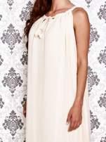 Ecru sukienka maxi z wiązaniem przy dekolcie                                  zdj.                                  5
