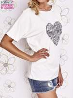 Ecru t-shirt z napisem JE T'AIME i dekoltem na plecach                                                                          zdj.                                                                         3