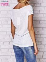 Ecru t-shirt z napisem MOSCINO                                  zdj.                                  2